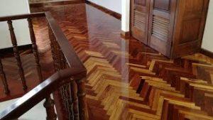 Pisos-de-madera-parquetfabricado-de-manera-artesanal