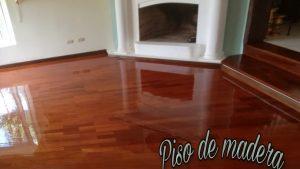 Como-aplicar-barniz-con-brocha-a-pisos-de-madera