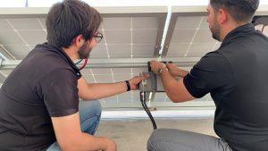 INSTALACION-DE-SISTEMA-DE-INTERCONEXION-4-paneles-solares-2-microinversores-BDM600